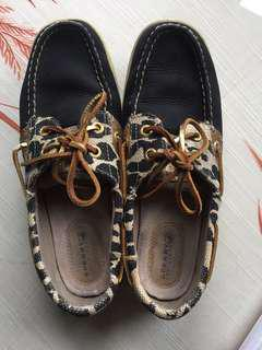 EUC Sherry leather boat shoes
