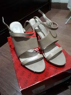 heels Guess