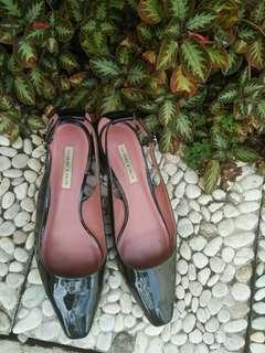 Sepatu sandal charles and keoth original
