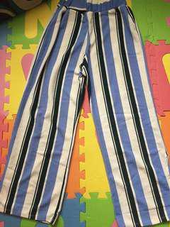 Stylish loose pants with side slit
