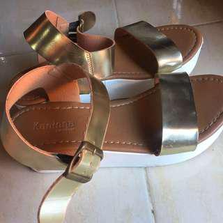 sandal wedges kaninna gold emas
