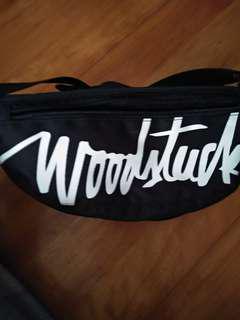 🚚 Woodstuck 腰包