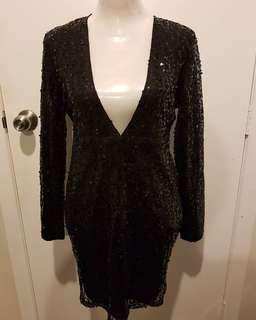 Deep plunge black sequin dress 🖤