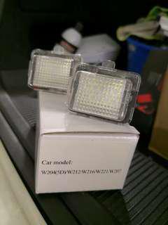 車牌燈 w204 w212 w216 w221 207