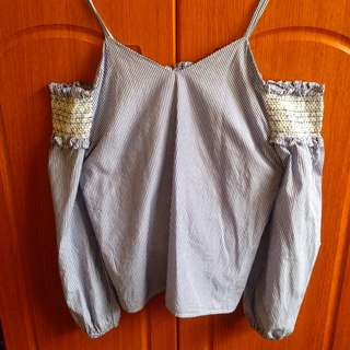 Offshie Blouse