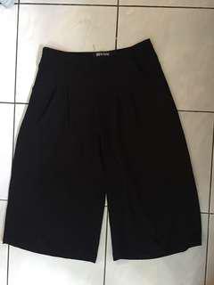 High waisted straight pants (knee length