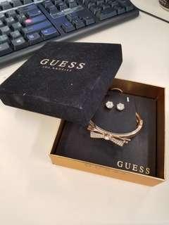 GUESS bracelet and earrings set