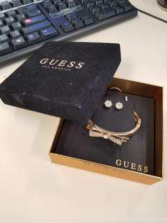 GUESS bracelet and earrings set