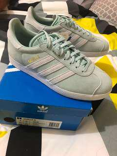 Adidas Gazelle size 6 US womens Brandnew with tags