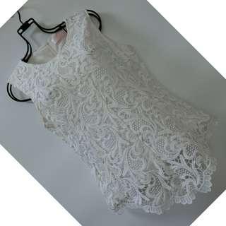 白色厚蕾絲上衣 XL