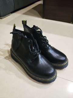 🚚 全新靴子