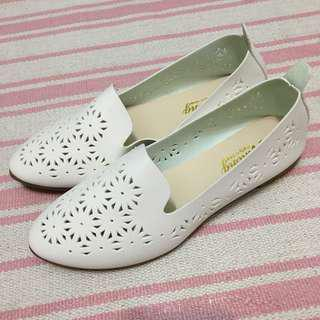 Flat shoes in white coloir