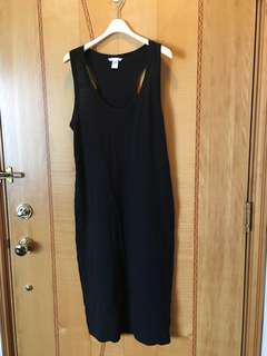 H&M 黑色長裙,Size :M,沒有任何破爛和汚漬。注意:可以先入數之後順豐到付