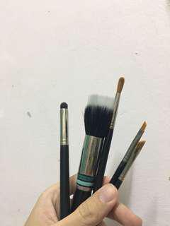 Inglot brushes