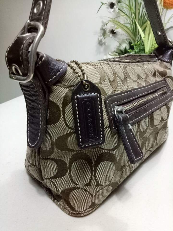 f78d3bb3c0c4 Coach Small Handbag