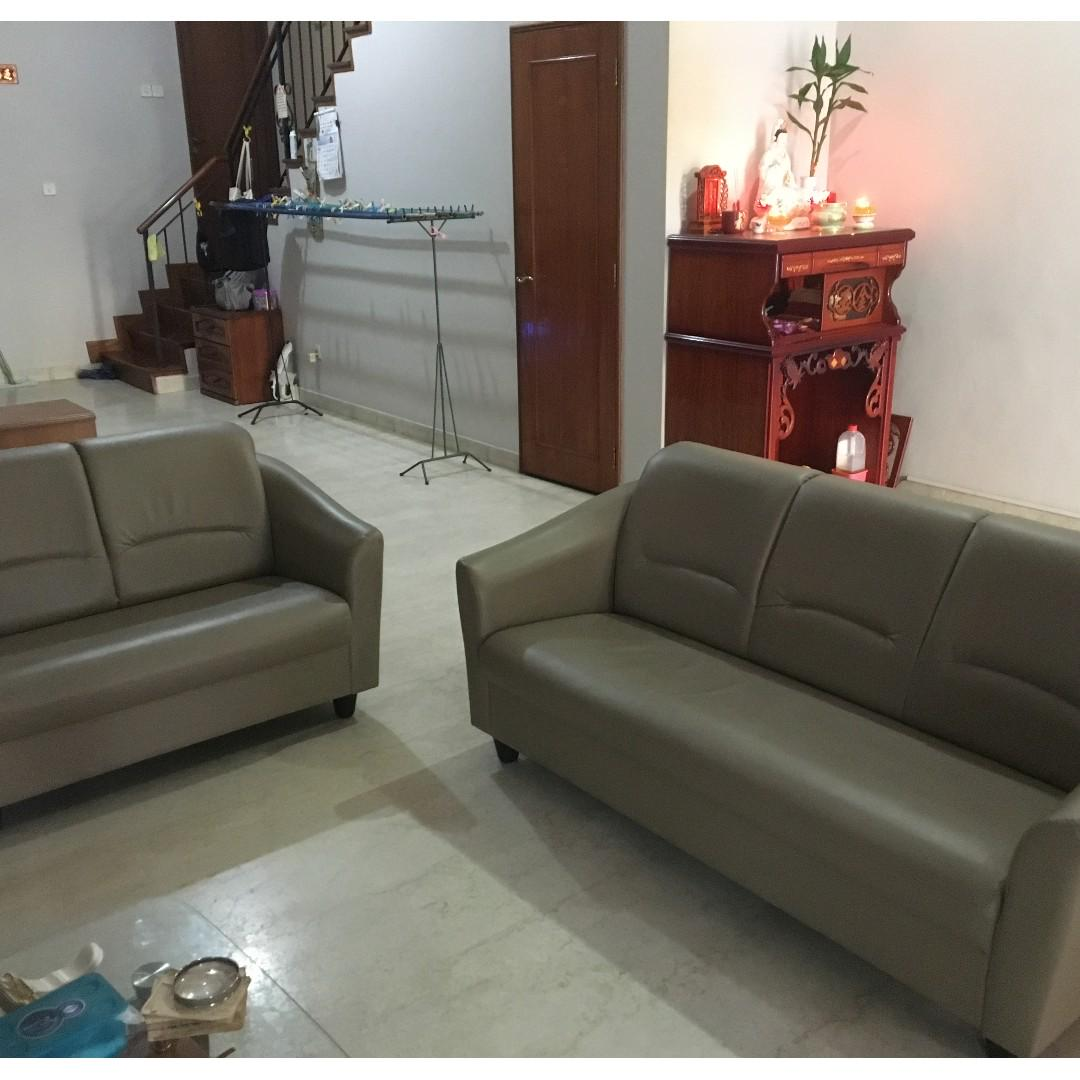 Comfy Leather Sofa Set 1 Year Old