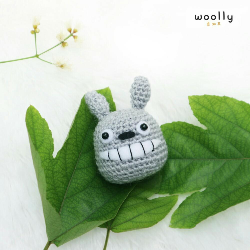 Crochet Along Totoro - YouTube | 1000x1000