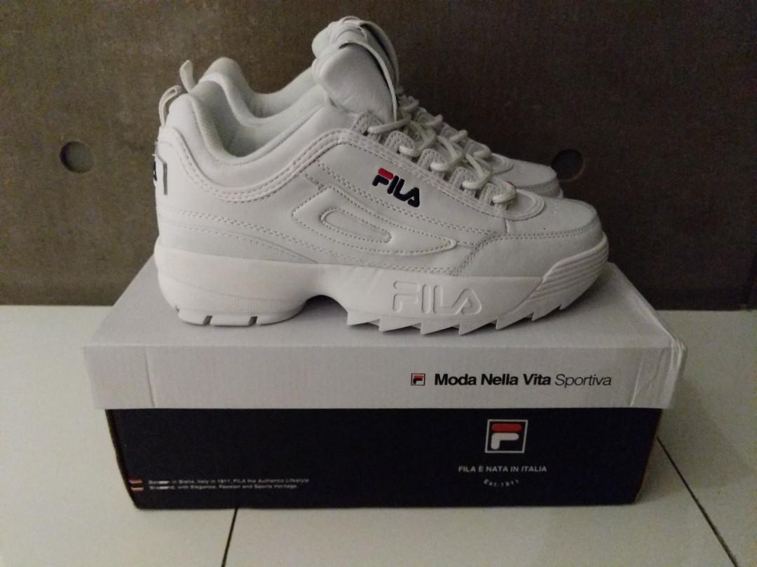 e56b5646 FILA Disruptor II Sneakers, Women's Fashion, Shoes, Sneakers on Carousell