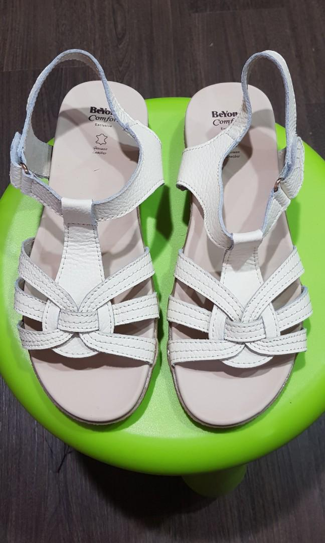 Genuine cow leather Beyond comfort sandals