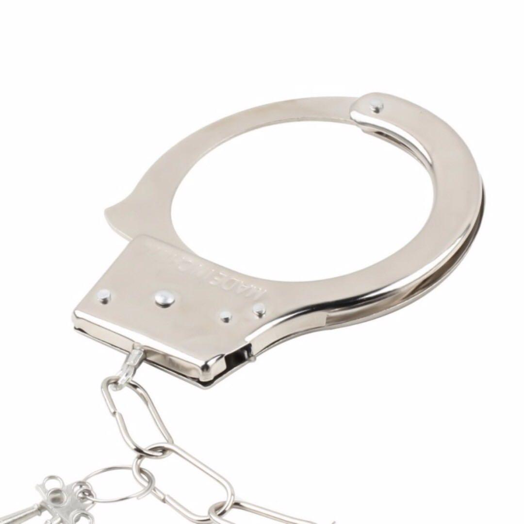 HANDCUFF RESTRAIN FOR MAGICIAN LOVERS INTIMACY ROLEPLAY AND SECURITY
