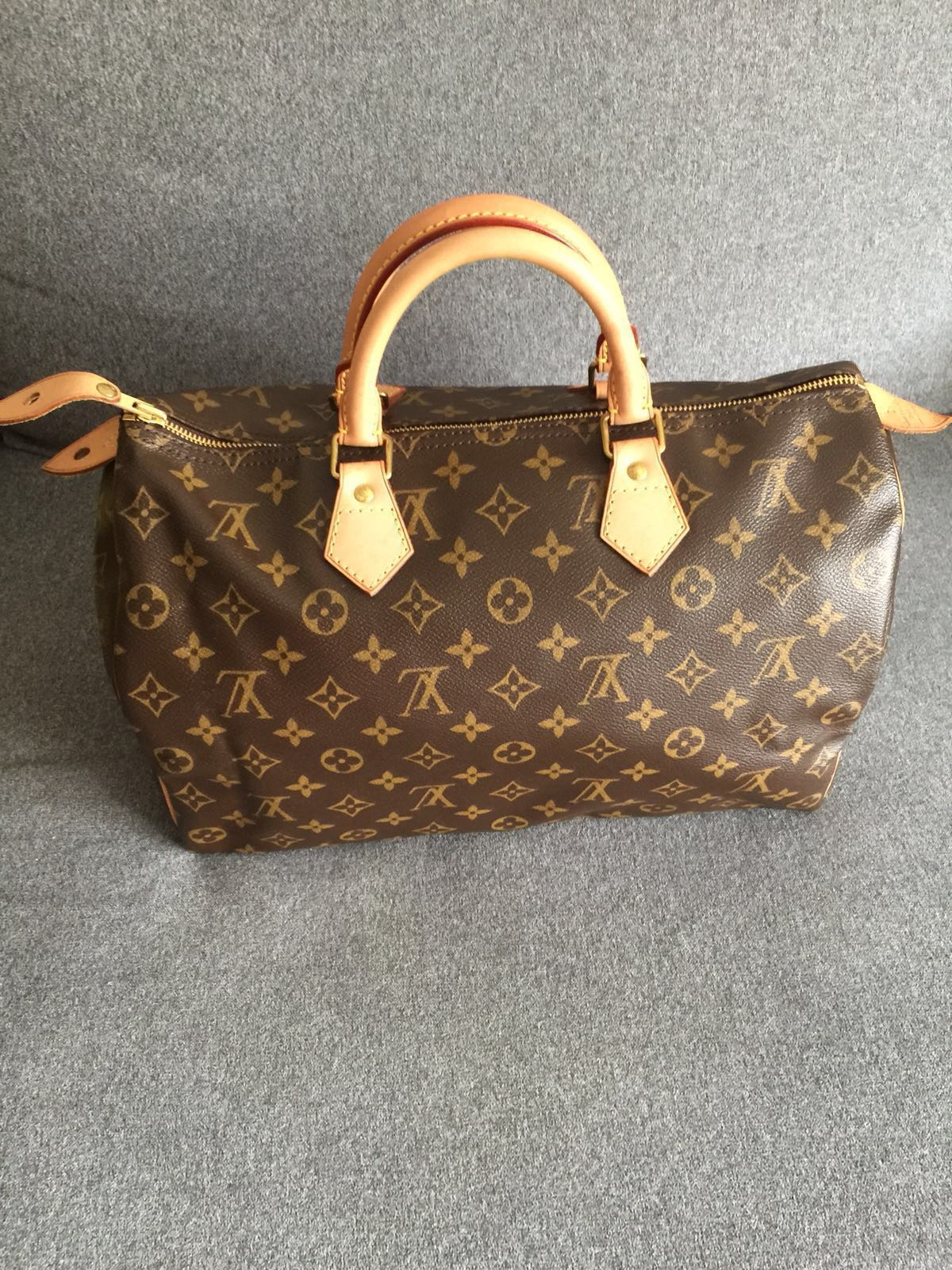 b5bd491328be LIKE NEW-LV Louis Vuitton Speedy 35 Monogram in Box