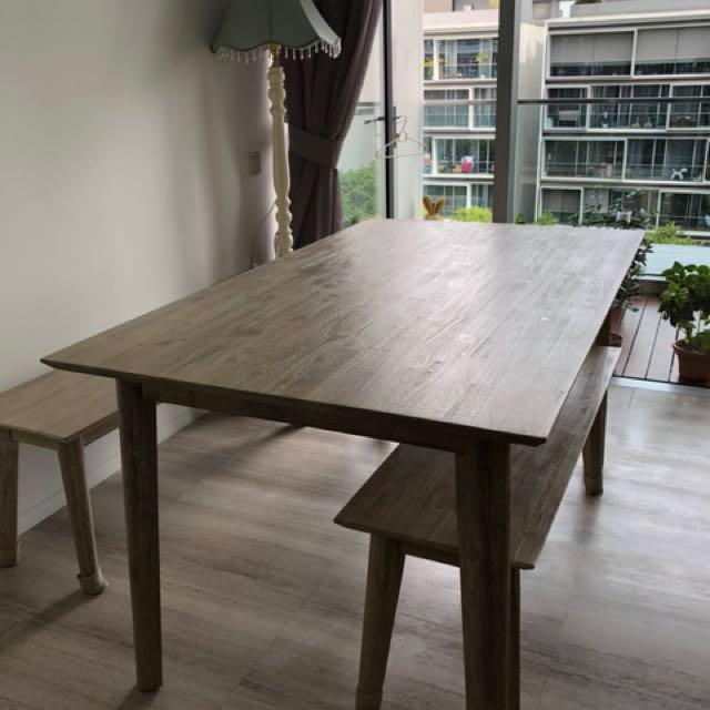 Seattle Dining Table