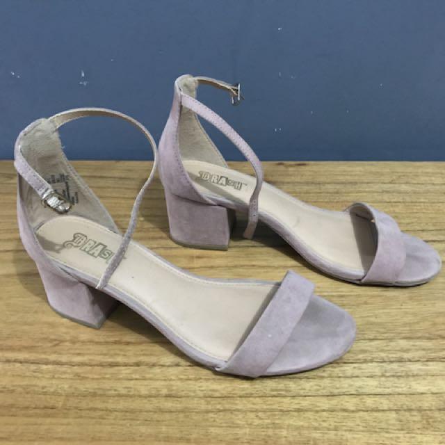 8128b36273c sepatu sandal payless baru dipakai 2 kali aja itu ke mal