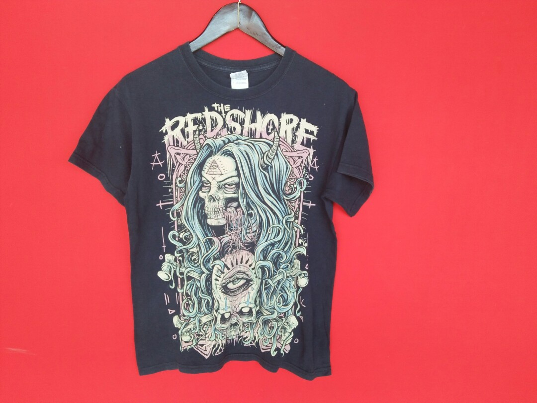 90ae331fe The redshore t shirt, Men's Fashion, Clothes, Tops on Carousell