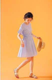🚚 洋裝🍦質感女孩。藍白細格紋