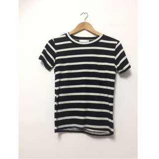 🚚 $6 BN Basic Black and White Stripes Tee Top