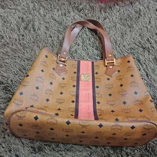 Preloved MCM tote bag