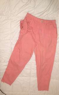 Pink cargo pants with pockets