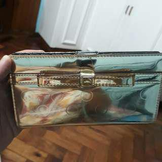 Authentic Kate Spade Stacy Snap Wallet in Gold