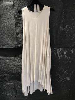 米色棉麻傘狀無袖洋裝