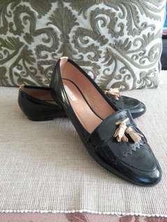Massimo dutti leather loafers size 38 excellent condition!
