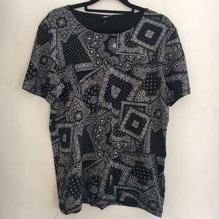 H&M Black and White Print T-Shirt