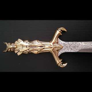 🚚 United Cutlery: Bast - Egyptian Short Sword (Gold Limited Edition UC1297LTD)