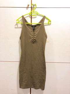 Forever21 軍綠合身洋裝連身裙