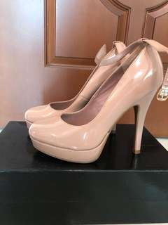 "95% new‼️5"" high heels"