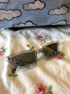 Cat eye 90s sunglasses