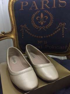 Shoebox Golden Nude Flats