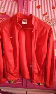 Jaket merah nike NEGO