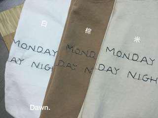 正韓 刺繡 英文字 T雪 短袖上衣 🔺賣米色