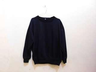 Basic Sweater - Black & White/Sweater Polos - Hitam & Putih
