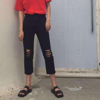 🚚 Black Ripped Pants