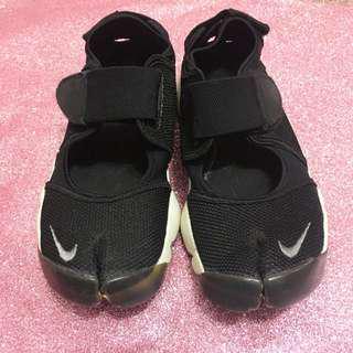 Nike黑色白底忍者鞋23cm