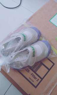 兒童室內鞋