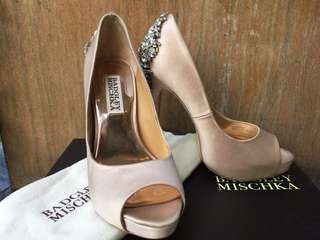 Badgley Mischka Latte Satin Open Toe size 6.5