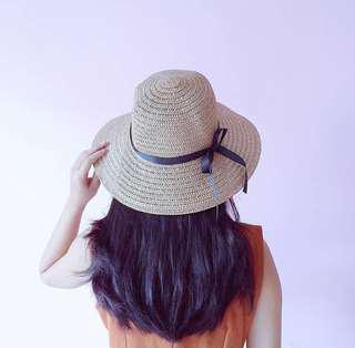 Topi pantai cantik