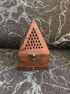 🚚 Wooden Mabkharah (incense burner)